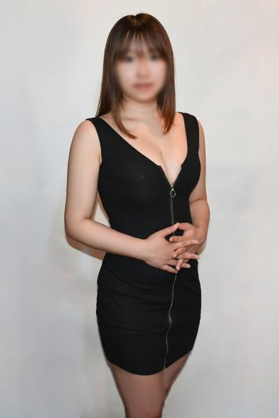上原かのん(22)